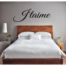 """Muursticker met de tekst """"J'taime"""". In verschillende afmetingen en kleuren"""