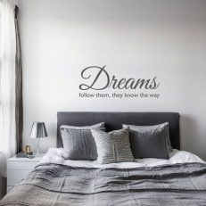 Muursticker slaapkamer Dreams follow them, they know the way k378