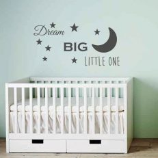 muursticker baby- kinderkamer dream big little one k387