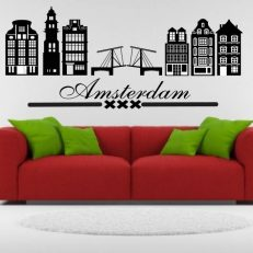 Muursticker met grachtenpanden, brug en logo van de stad Amsterdam