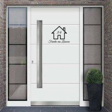 Voordeur sticker met eigen familienaam, huisnummer en huisafbeelding