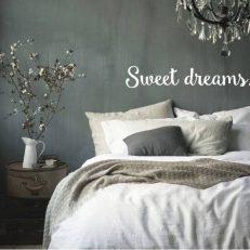 """Muursticker met de tekst """"Sweet Dreams"""". In het Nederlands: Droom zacht"""