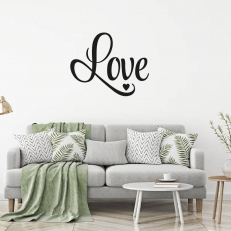 """Muursticker. Tekst: Love. In het Nederlands """"Liefde""""."""
